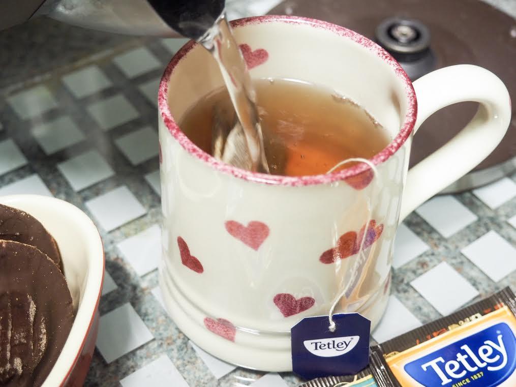 Tetley cookies and cream tea