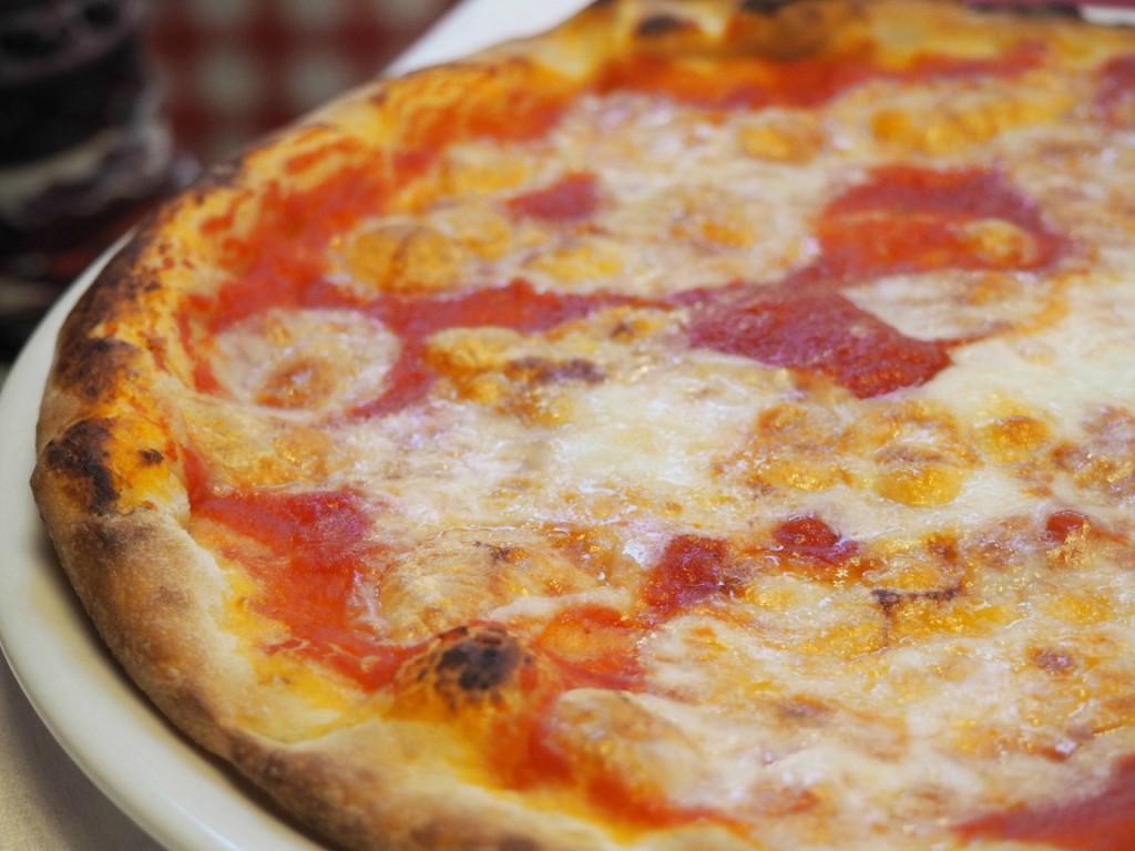 Pizzeria Trattoria - La Buca pizza