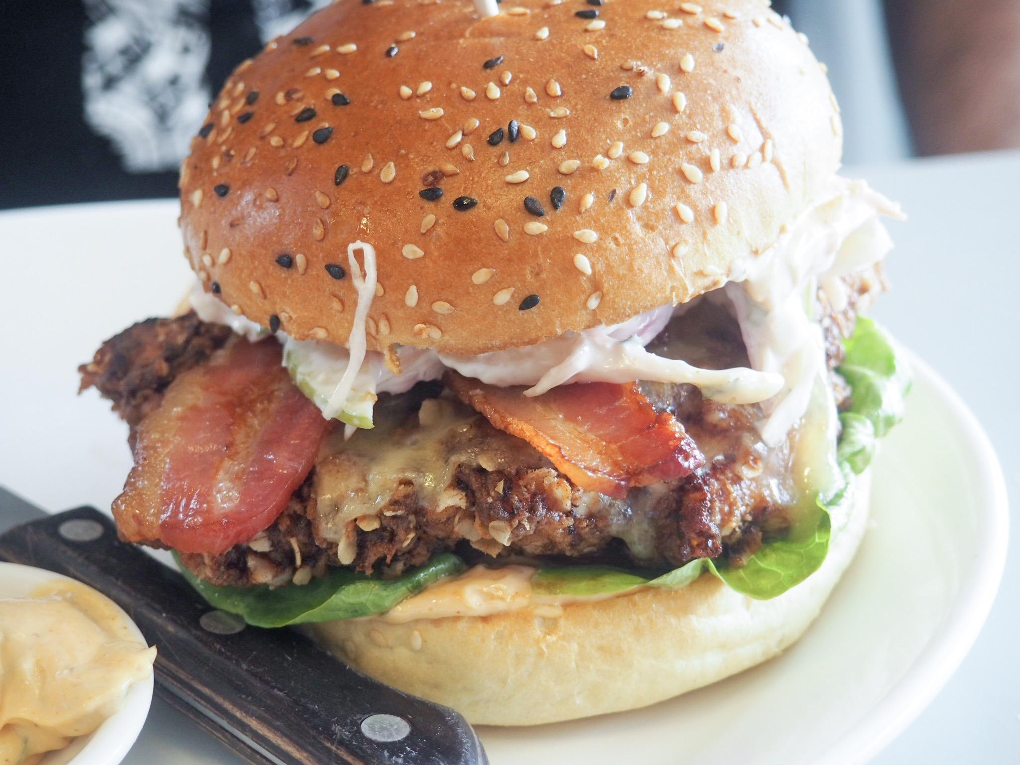 Bill's buttermilk chicken burger