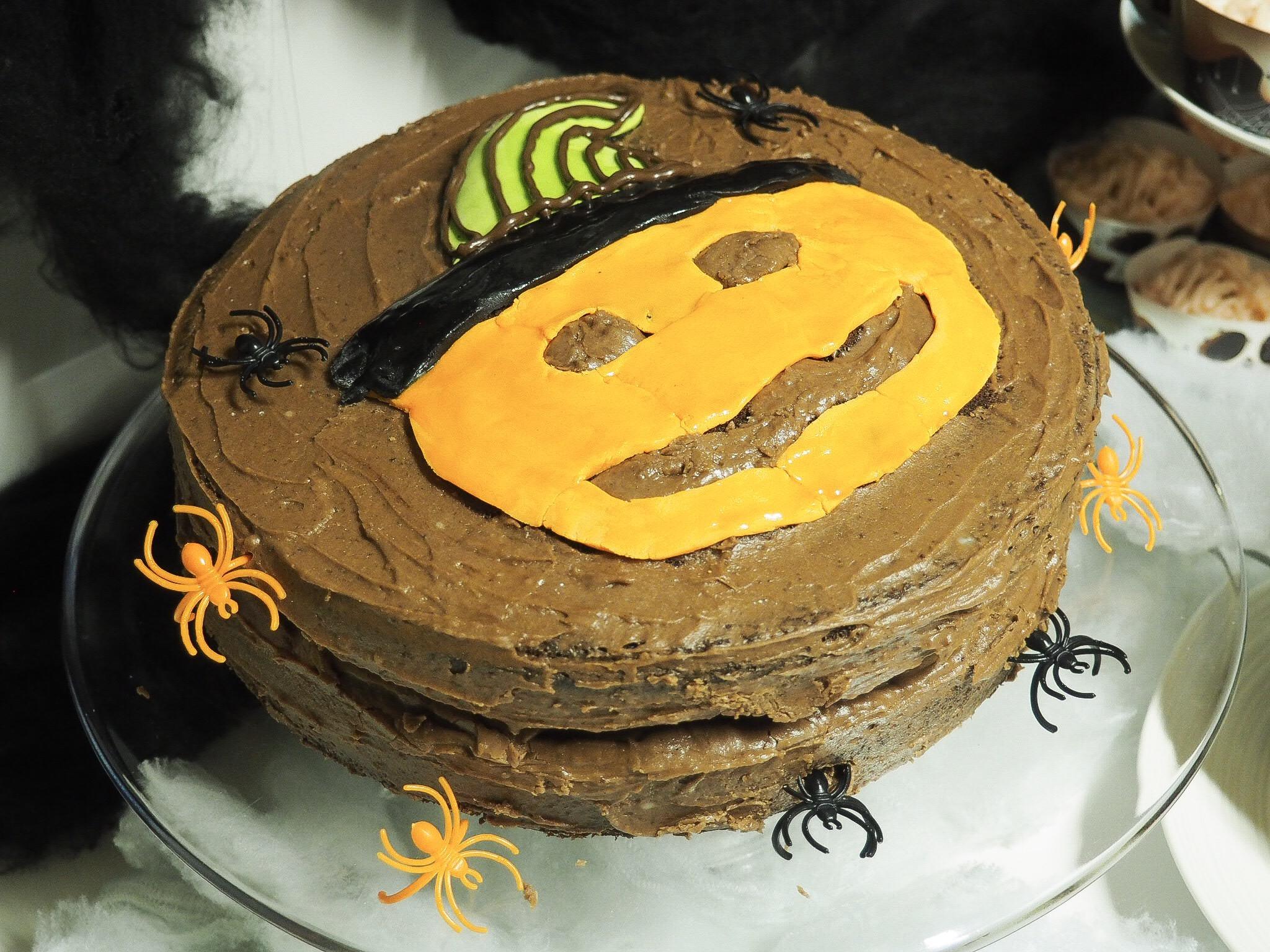 3D pumpkin cakes