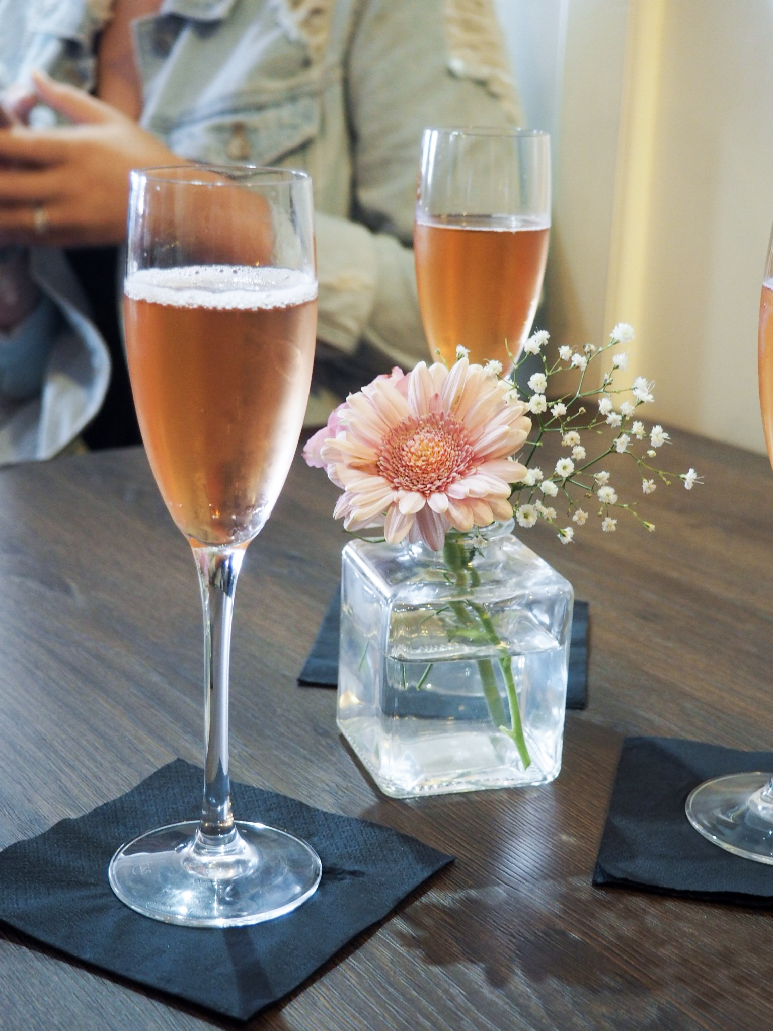 Bees Knees alcohol free prosecco