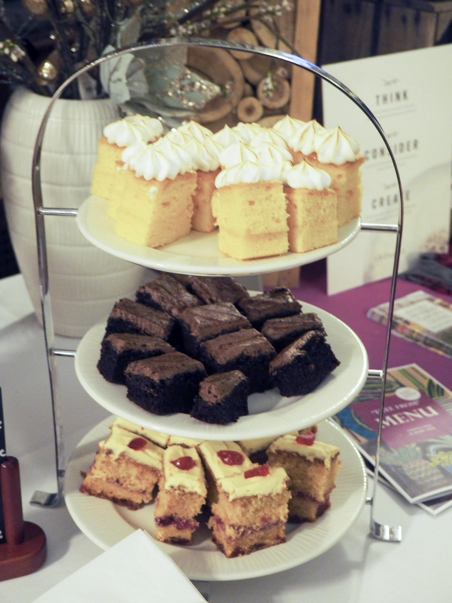 Perrywood Garden Centre cakes