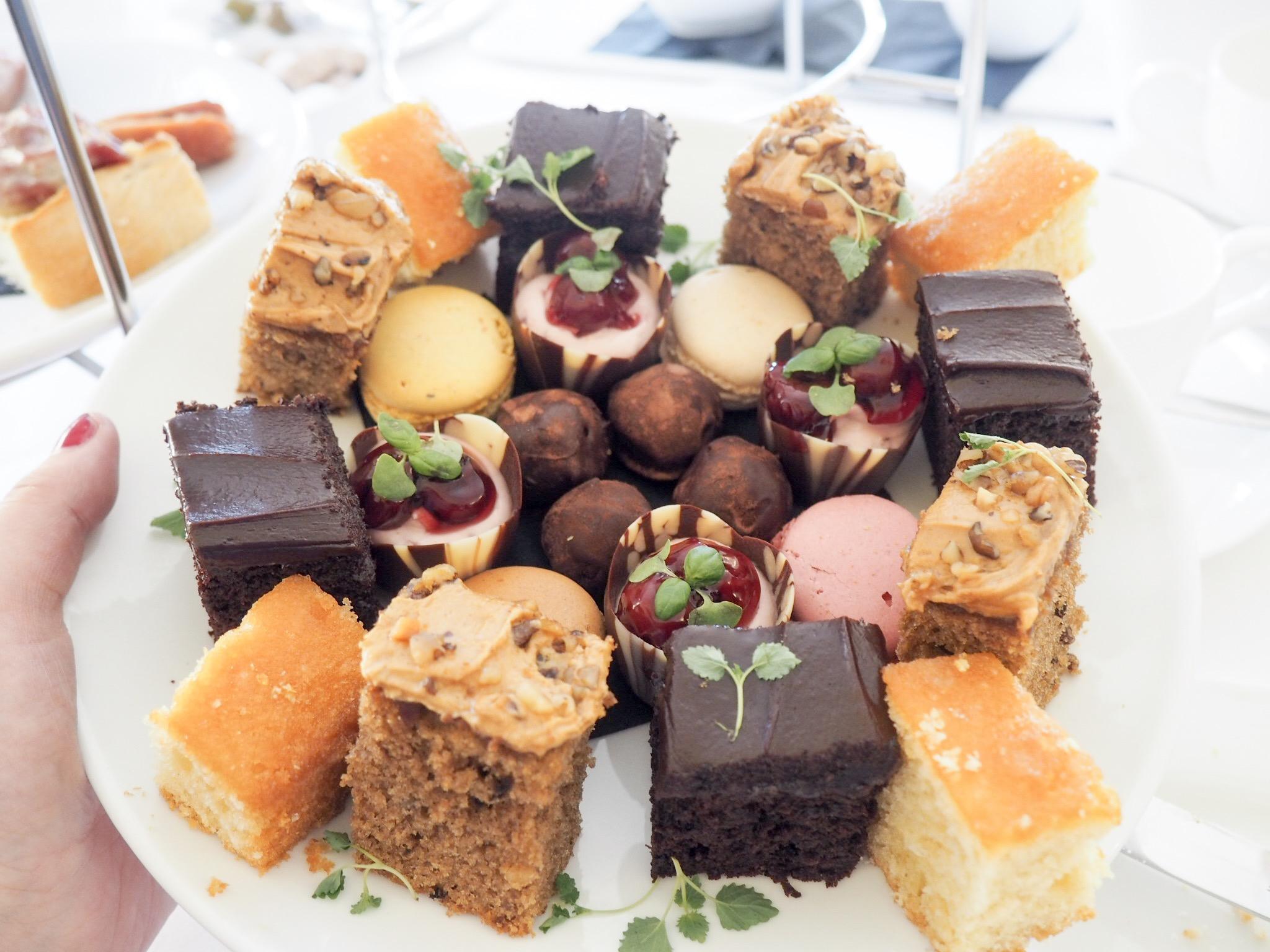 Royal Hotel Southend cake