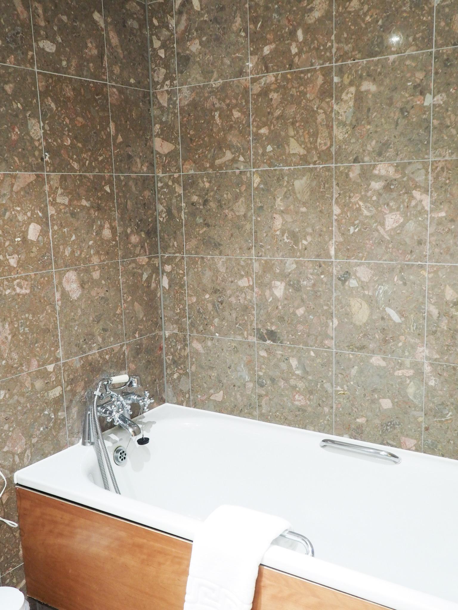 Crowne Plaza Resort Colchester bath