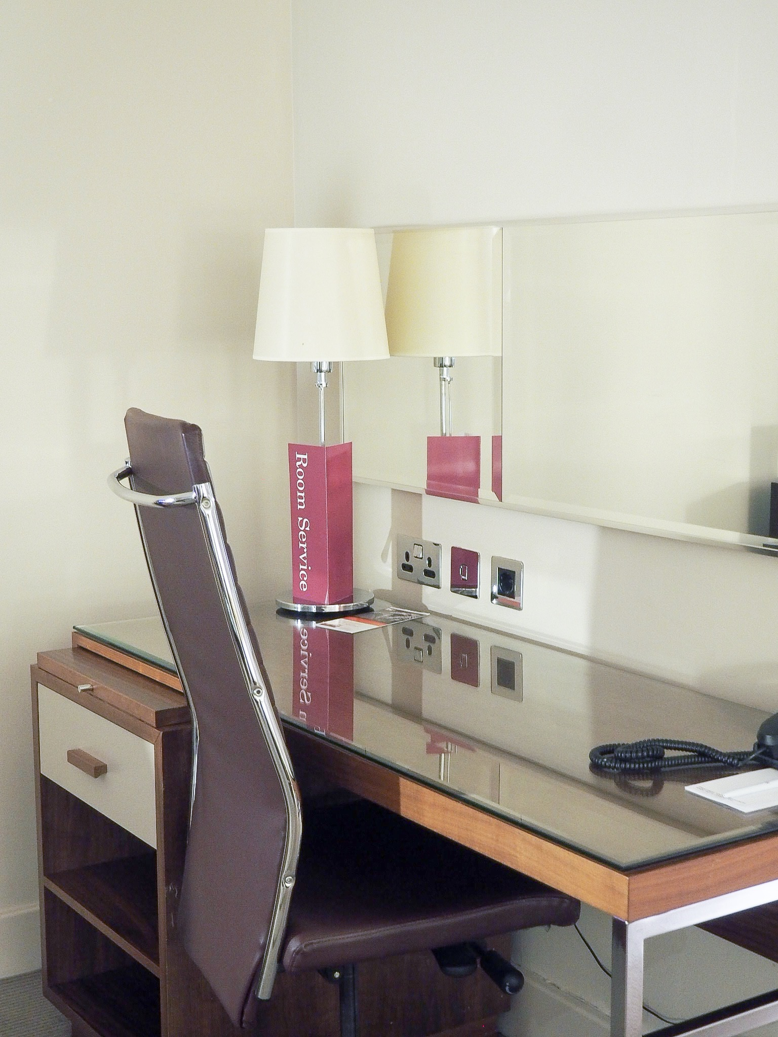 Crowne Plaza Resort Colchester rooms