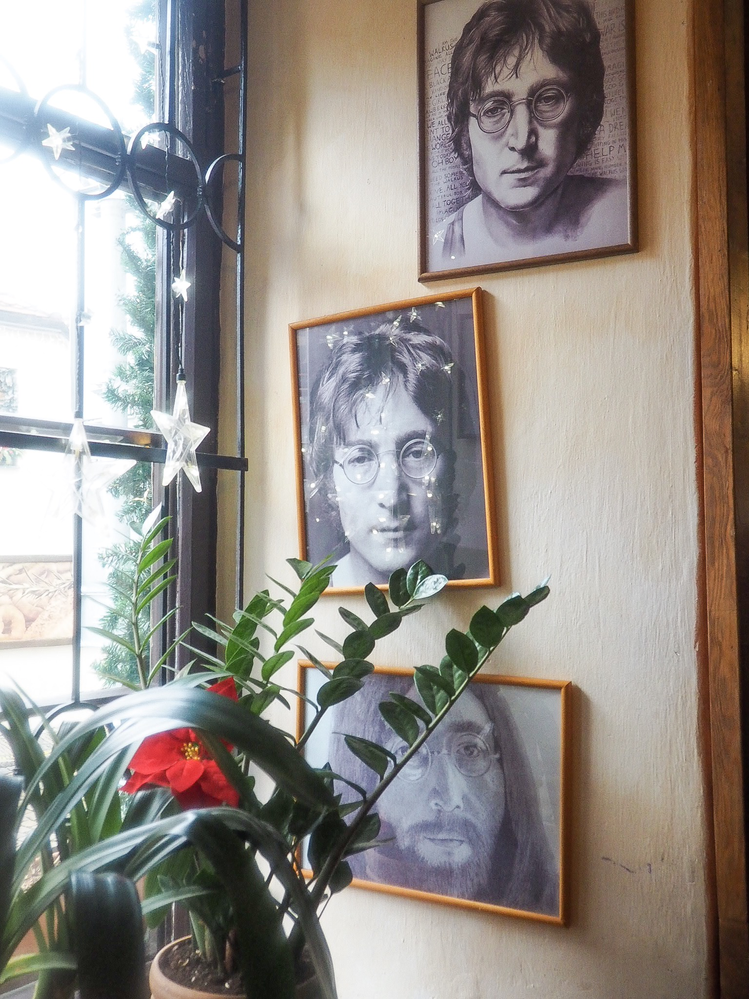 John lennon pub in prague