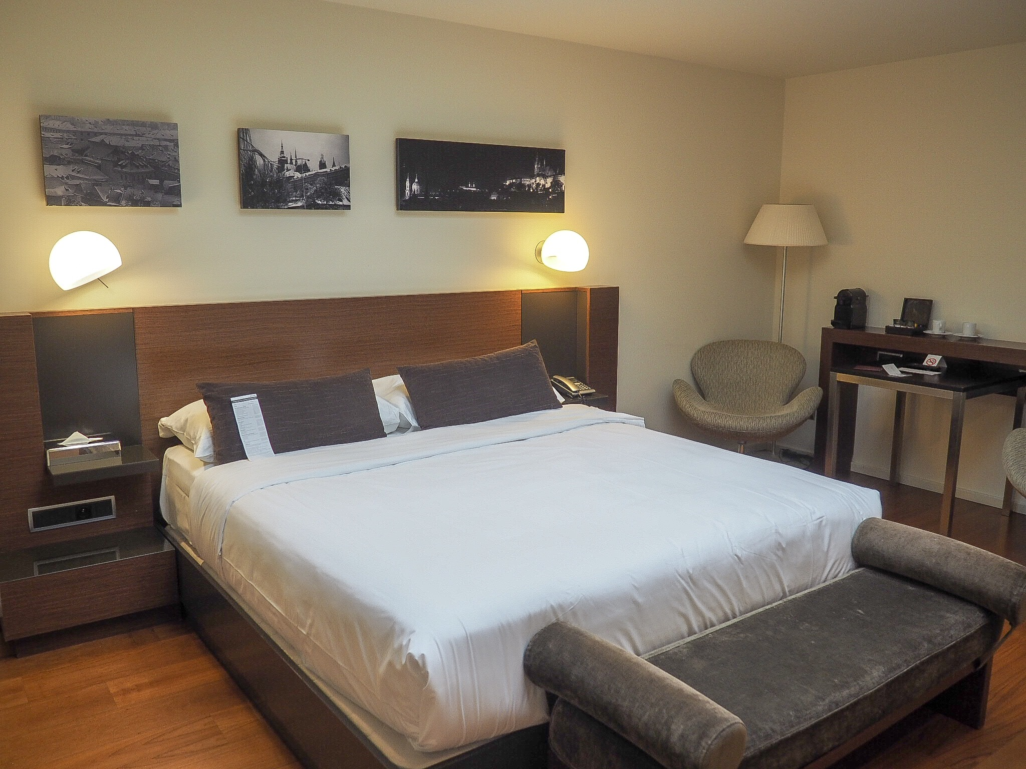 987 prague hotel