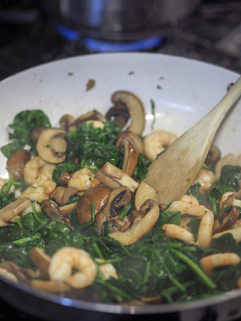 creamy mushroom and prawn pasta dinner recipe