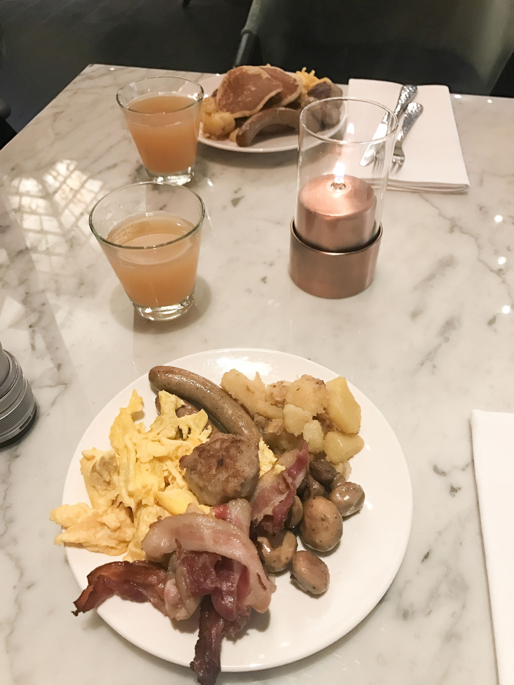 Reichshof Hamburg Hilton breakfast